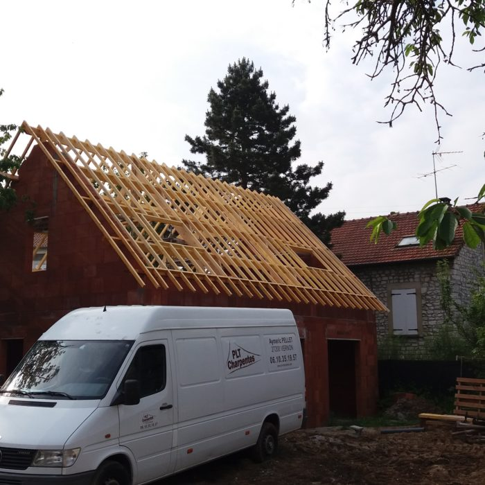Charpente traditionnelle, toiture et pose Velux